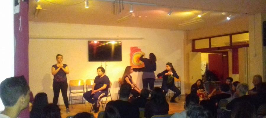 Αλληλέγγυο Σχολείο: Φωτογραφίες από τη θεατρική παράσταση Playback από την ομάδα ΔΕΚΑ